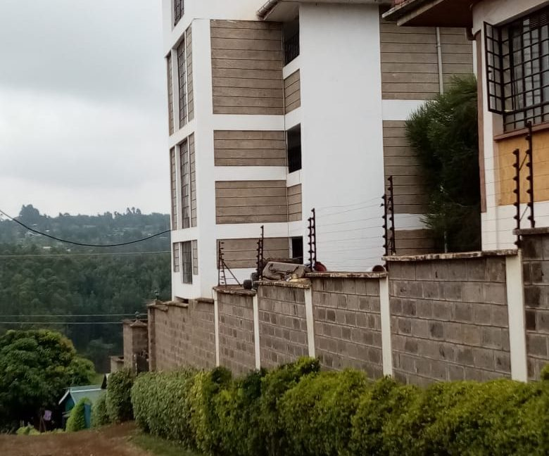 Property for sale in Ruaka 2 Bedroomed units and a 5 bedroomed maisonette, asking Ksh35M1