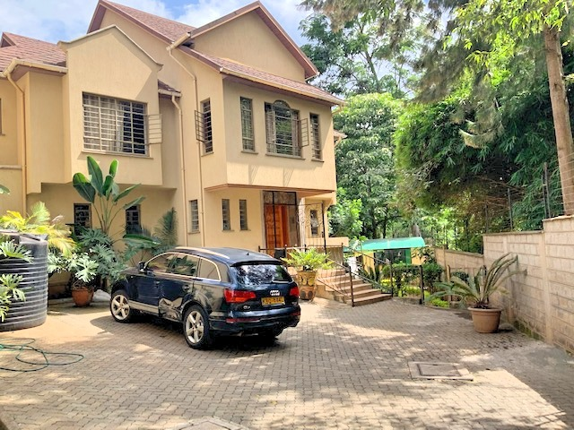 3 Bedroom Townhouse in Gated Community for Rent at Ksh300k on Peponi Rd with Large living, Dinning, Open large Kitchen. Spacious Bedrooms and Private garden2
