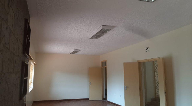 6 Bedrooms Office Space for Rent in Riverside at Ksh500k:Month11