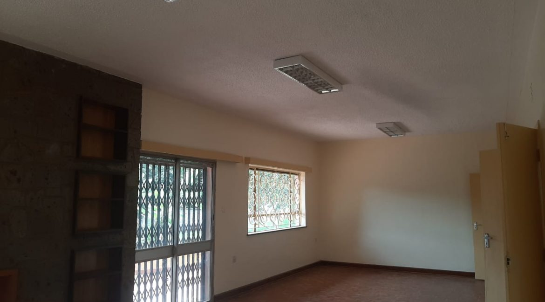 6 Bedrooms Office Space for Rent in Riverside at Ksh500k:Month18