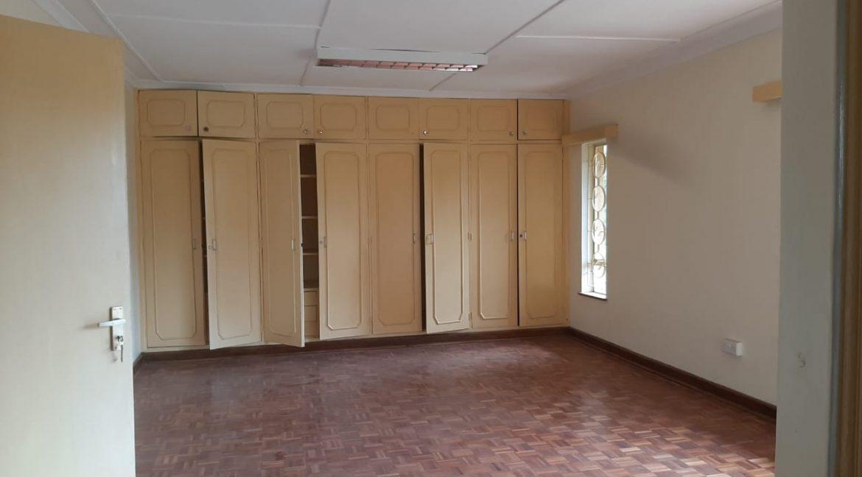 6 Bedrooms Office Space for Rent in Riverside at Ksh500k:Month24