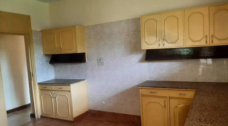 6 Bedrooms Office Space for Rent in Riverside at Ksh500k:Month33