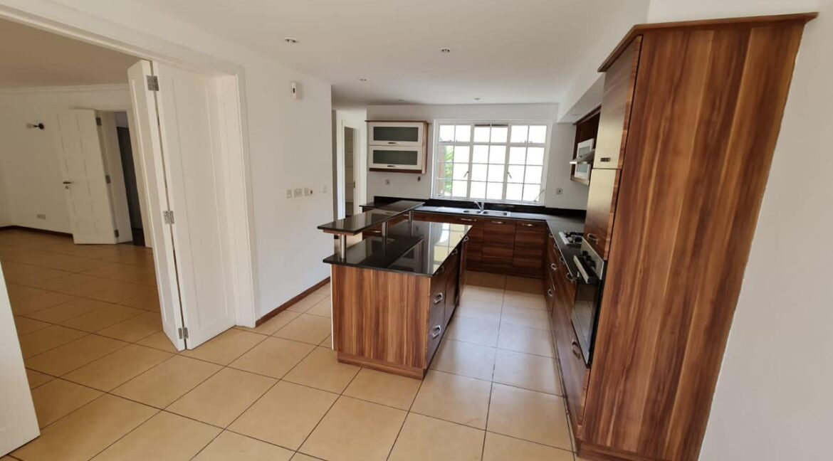 5 Bedroom All Ensuite Townhouse Plus Dsq For Rent at Ksh330k with excellent amenities 10