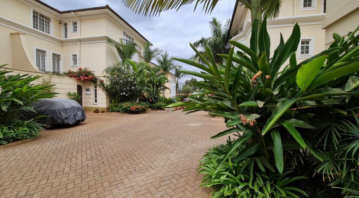 5 Bedroom All Ensuite Townhouse Plus Dsq For Rent at Ksh330k with excellent amenities 14