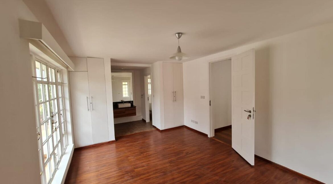 5 Bedroom All Ensuite Townhouse Plus Dsq For Rent at Ksh330k with excellent amenities 15