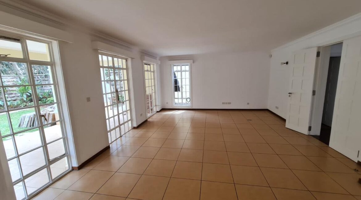 5 Bedroom All Ensuite Townhouse Plus Dsq For Rent at Ksh330k with excellent amenities 5