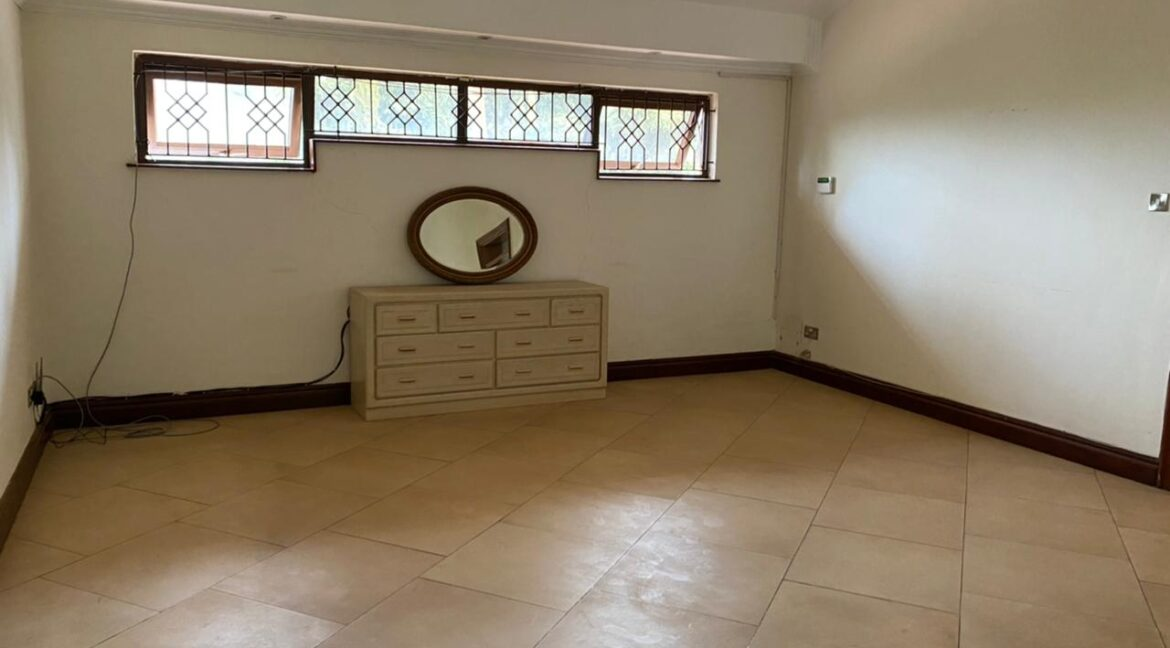 5 Bedrooms Villa all bedrooms en-suite for rent at Ksh400k located in Kitisuru in a gated community but own compound sitting on half acre18