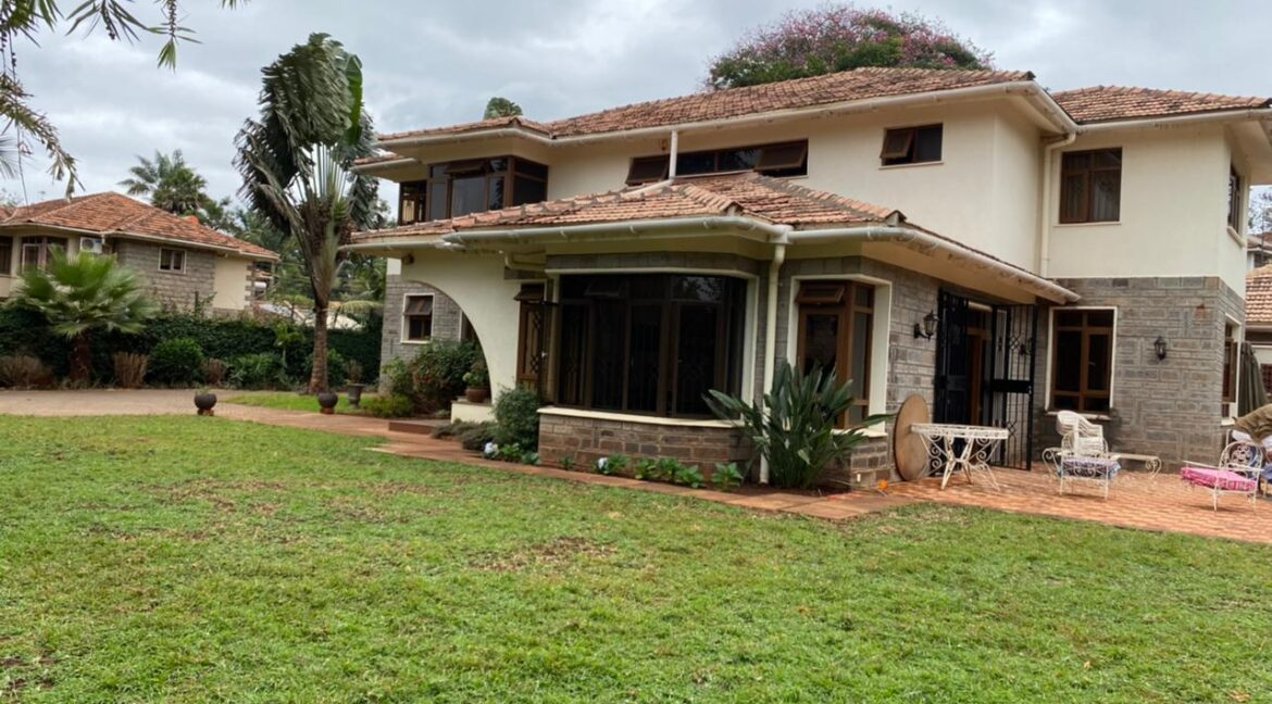 5 Bedrooms Villa all bedrooms en-suite for rent at Ksh400k located in Kitisuru in a gated community but own compound sitting on half acre19