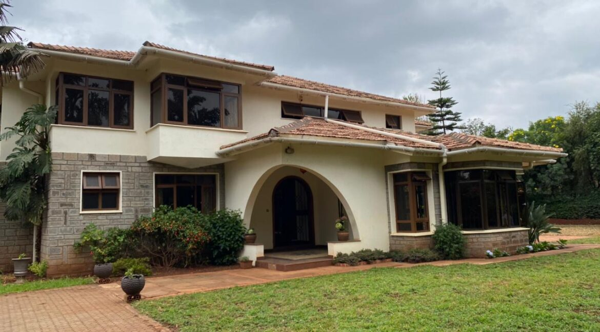 5 Bedrooms Villa all bedrooms en-suite for rent at Ksh400k located in Kitisuru in a gated community but own compound sitting on half acre2