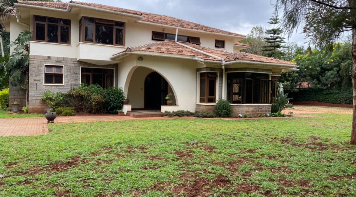 5 Bedrooms Villa all bedrooms en-suite for rent at Ksh400k located in Kitisuru in a gated community but own compound sitting on half acre3