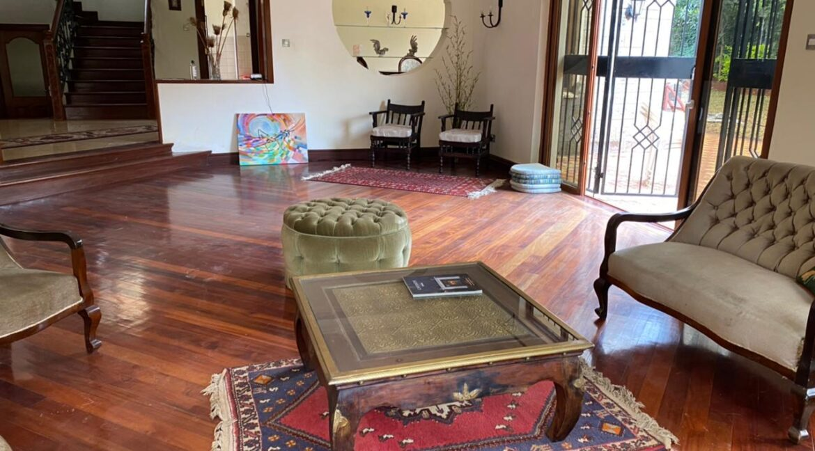 5 Bedrooms Villa all bedrooms en-suite for rent at Ksh400k located in Kitisuru in a gated community but own compound sitting on half acre4