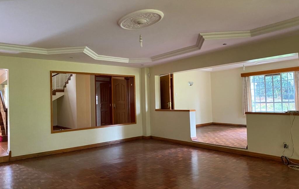 5 Bedrooms all Ensuite House for Rent at Ksh300k Located at Spring Valley and built on1:2 Acre13