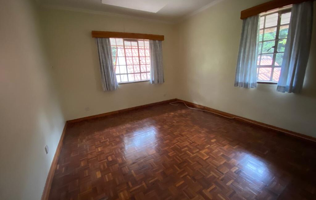 5 Bedrooms all Ensuite House for Rent at Ksh300k Located at Spring Valley and built on1:2 Acre19