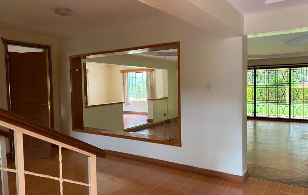 5 Bedrooms all Ensuite House for Rent at Ksh300k Located at Spring Valley and built on1:2 Acre22