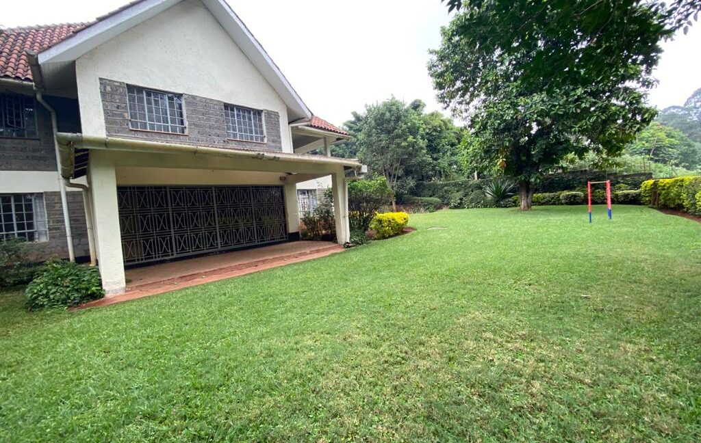 5 Bedrooms all Ensuite House for Rent at Ksh300k Located at Spring Valley and built on1:2 Acre4