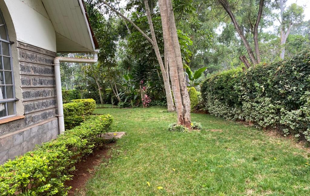 5 Bedrooms all Ensuite House for Rent at Ksh300k Located at Spring Valley and built on1:2 Acre5