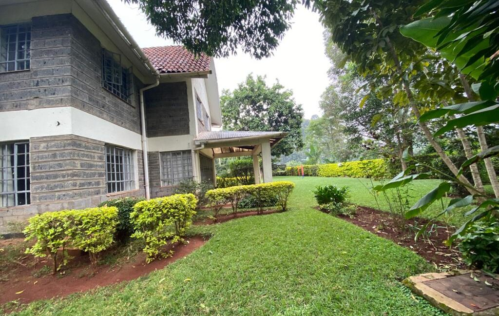 5 Bedrooms all Ensuite House for Rent at Ksh300k Located at Spring Valley and built on1:2 Acre6