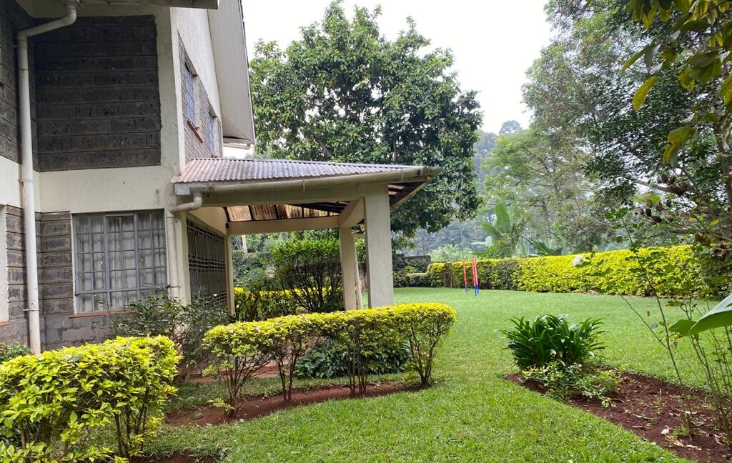 5 Bedrooms all Ensuite House for Rent at Ksh300k Located at Spring Valley and built on1:2 Acre7