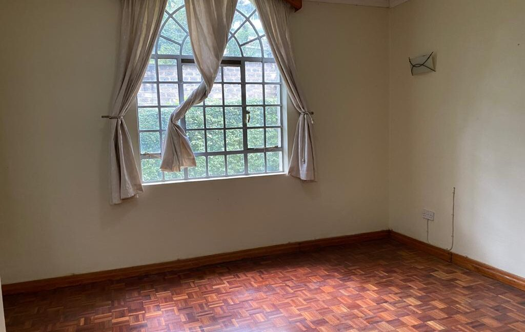 5 Bedrooms all Ensuite House for Rent at Ksh300k Located at Spring Valley and built on1:2 Acre8