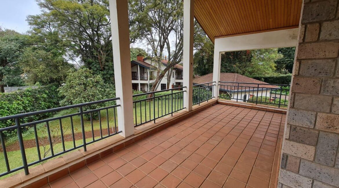 Lovely 4 bedroom Townhouse plus dsq for rent at Ksh330k in Westlands, ensuite, family room, office, detached dsq for 2, very well maintained and more amenities18