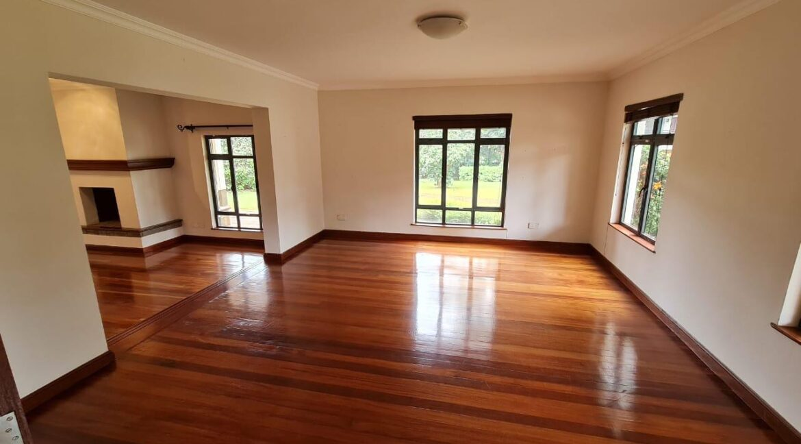 Lovely 4 bedroom Townhouse plus dsq for rent at Ksh330k in Westlands, ensuite, family room, office, detached dsq for 2, very well maintained and more amenities5