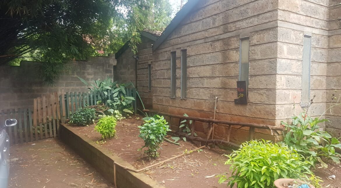 Prime Land for Sale on Peponi Road Ideal for Redevelopment of Town Houses at Ksh165M negotiable12