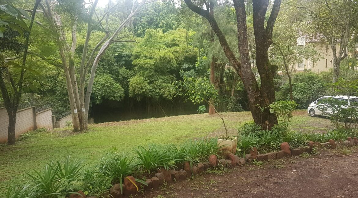 Prime Land for Sale on Peponi Road Ideal for Redevelopment of Town Houses at Ksh165M negotiable3