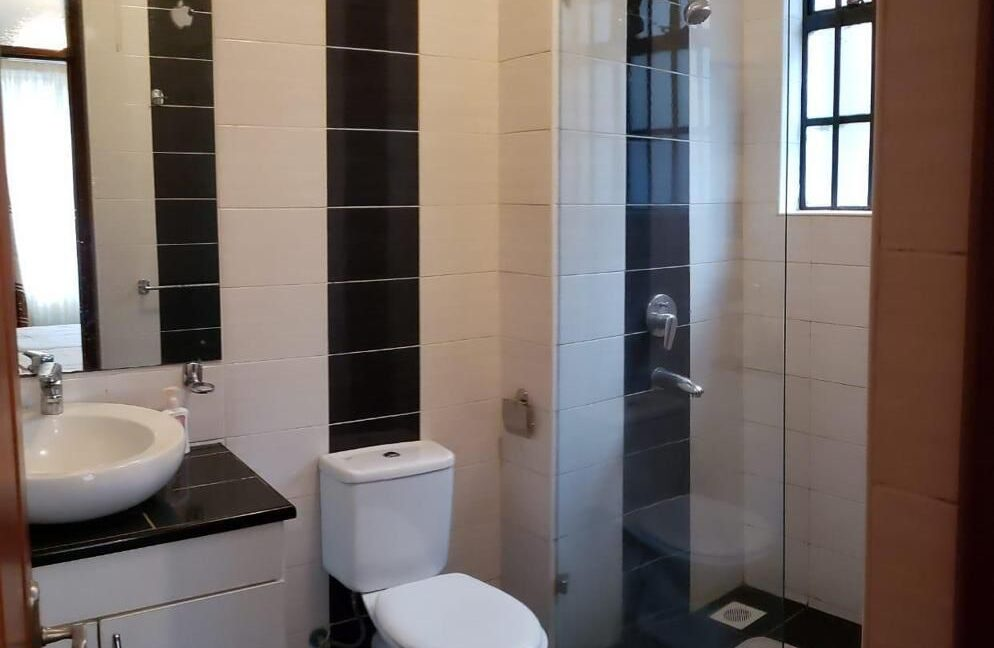2 Bedroom Apartment for Rent on Ground floor  available for rent along Brookside, Westlands at Ksh90k inclusive of Service Charge8